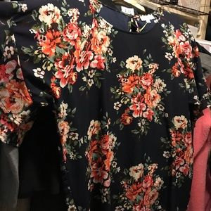 Brand New Umgee Boutique floral shirt.